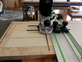 With the 42 in span of the fixed shelves, I decide to use 1-3/8 in loose tenon instead of dowels.